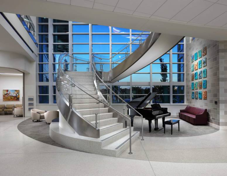 HDI's Kubit post balustrade system installed at Lee Health Facility