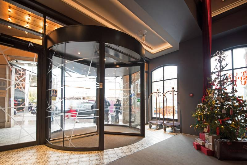 ASSA ABLOY revolving door provides sustainable solution to Andaz London Liverpool Street Hotel