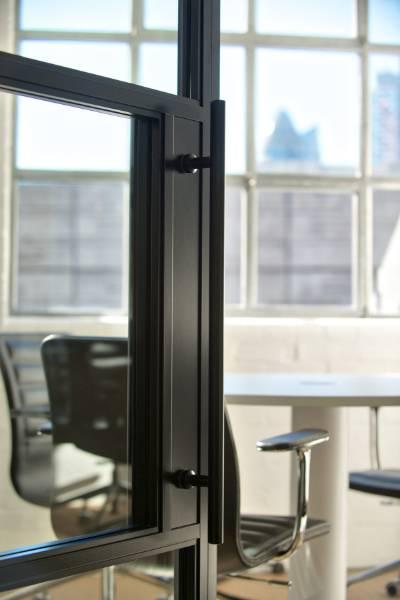 Komfort Kross Glaze 600 Glass Partitioning