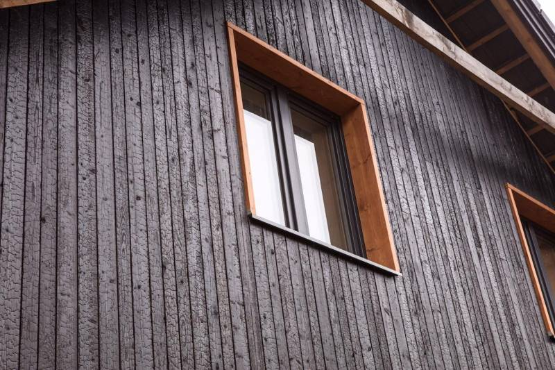 Charred Burnt Scorched Carbonised Blackened Timber Cladding – Siberian Larch, Accoya, Thermowood Ash, Kebony, Spruce, European Oak SertiWOOD®
