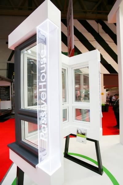 Liniar's EnergyPlus 90mm window system