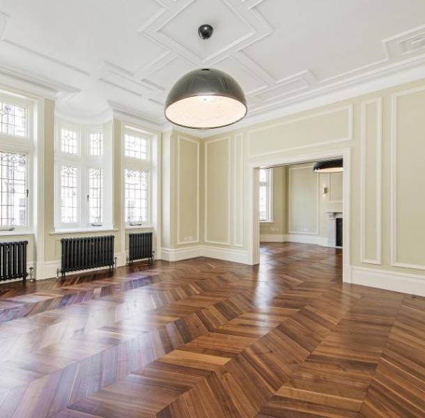 American Black Walnut, Sawn, UV Oiled, 60° Chevron Parquet