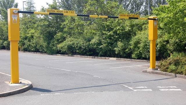 Rising Arm Height Restriction Barrier