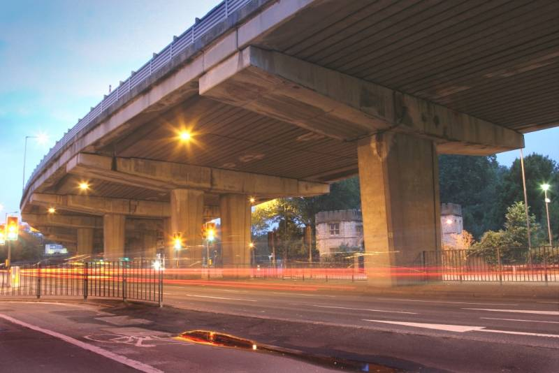Replacing Existing Asphaltic Plug Joints on the Busy M4 Chiswick Flyover